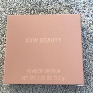 KKW Beauty Powder Contour 6
